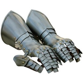 Gauntlets with buds