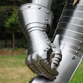 Moveable gauntlets