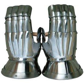 Gothic tournament mittens