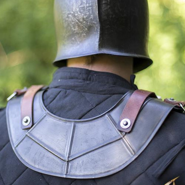 Epic Armoury Gorget Drake, patinated