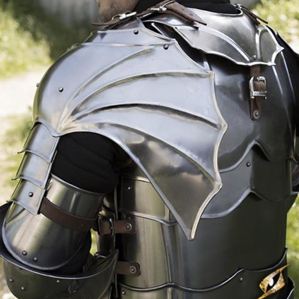 Epic Armoury Gothic gorget & pauldrons