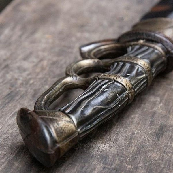 Epic Armoury LARP Battleworn Trench knife