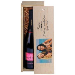 Champagne dans caisse en bois avec photo