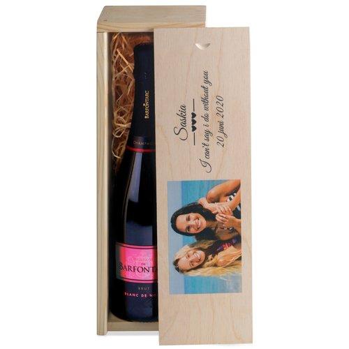 Champagne in houten kist met foto