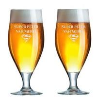 Bierglazen op voet met personalisatie