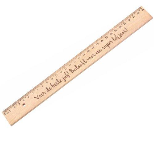 Règle en bois avec texte