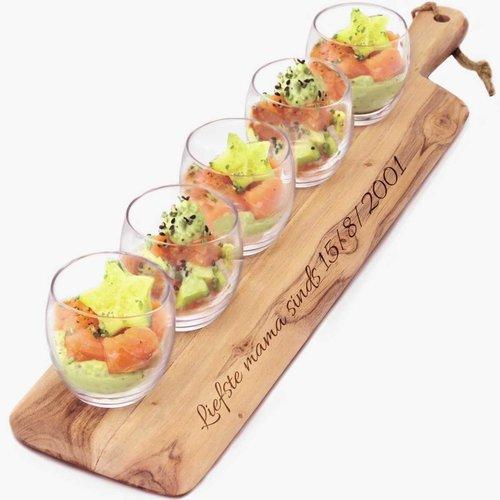 Planche a servir personnalisée avec verres à apéritif