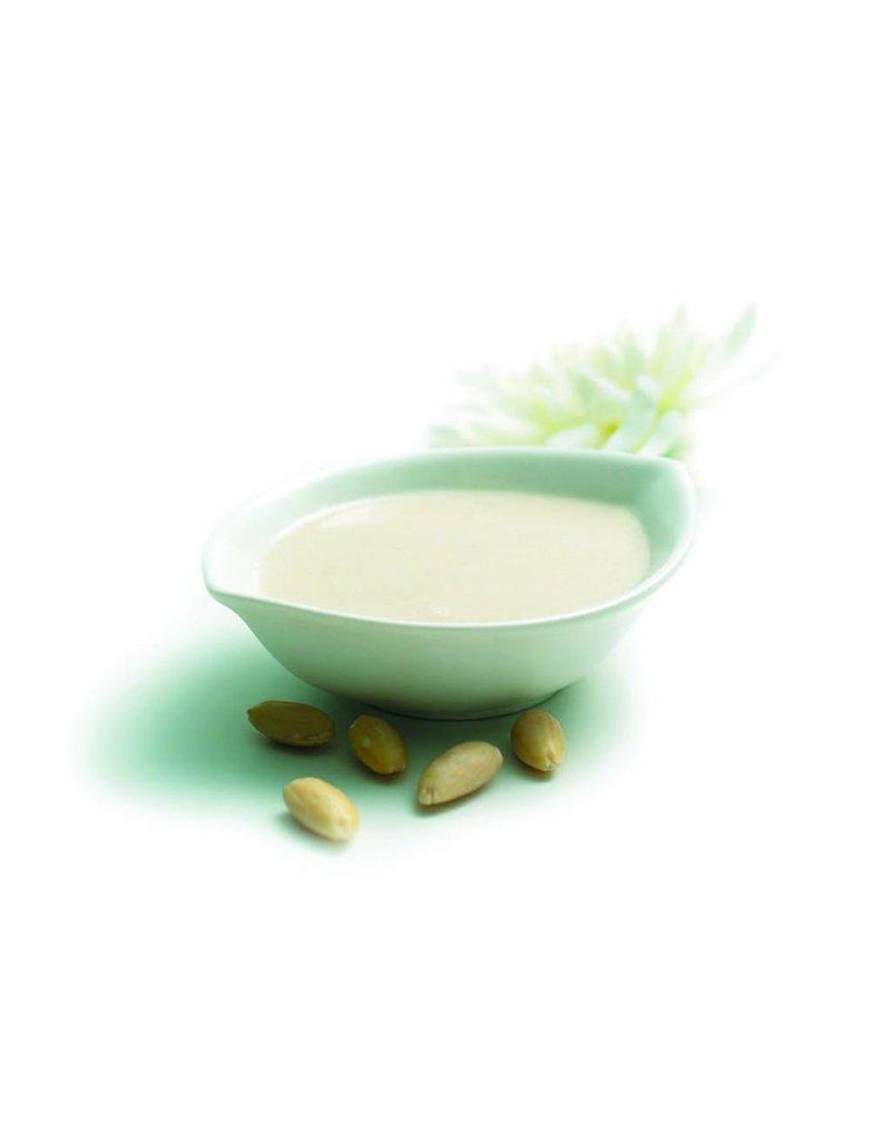 Milky shower mousse, almond milk-lotus