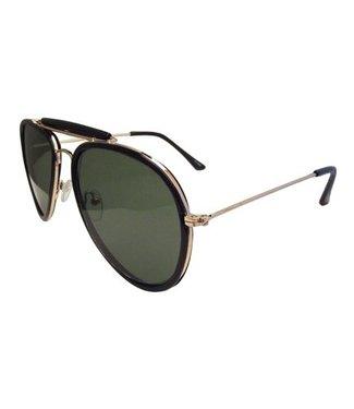 Piloten / Aviator nieuwe modellen. Gouden, zwarte, of zilveren frame. Polarized lenzen met Glare blocking en 100% UV block cat 400.  € 12, 95  Ray Ban Aviator Look & feel, High Quality glasses