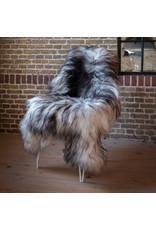 Van Buren Schapenvacht natuurlijk grijs IJslands met extra lange haren