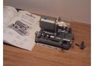 Verkauft: Froidevaux Motor zum Schneiden der Haken des Armbandes