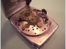 "Verkauft: Art-deco Armbanduhr mit ""jumping hours"""
