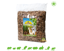 Litter Forest Feeling with Pine Cones Ground Cover