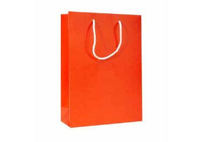 Papieren koorddraagtas met glans laminaat Oranje