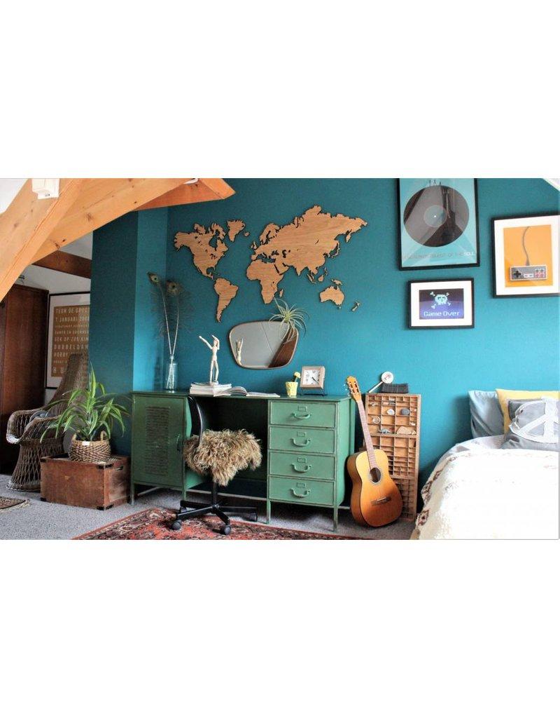 City Shapes Eiken houten wereldkaart met ingegraveerde landgrenzen. 216 cm x 117 cm