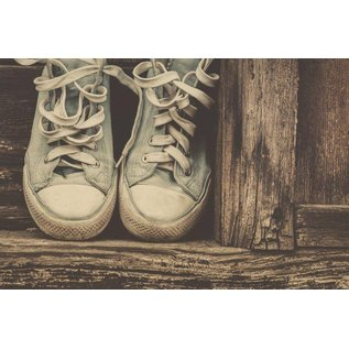 b057 | brocante | Chucks - postcard A6