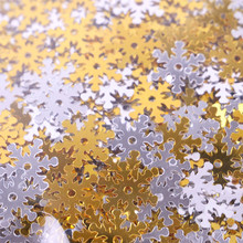 Simply Creative Snowflake Sequins (20g) (SCSEQ007X19)