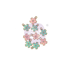 Prima Marketing Inc Sugar Cookie Christmas Enamel Charms Flower (996550)