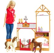 Barbie Dierenarts met boerderij dieren / boerderijdierenarts
