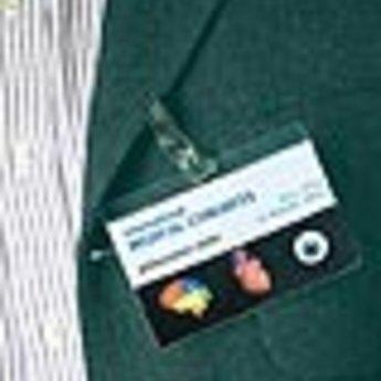 Apli-nr. 10430 - Convention badges / ID tag pockets 6 stuks, waarvan de binnenzijde zelfklevend is. Afmeting 105x74 mm<br /> <br /> Nog slechts maximaal  8 verpakkingen voorradig.<br /> ARTIKEL IS REEDS UIT ASSORTIMENT FABRIKANT