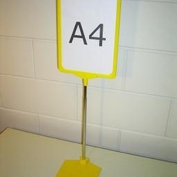 Standaard A3 geel met voet kunstst-zwaar