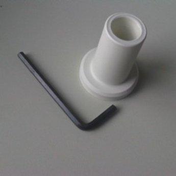 Buishouder kunststof wit, voor buis diameter 18mm. Voorzien van schroef en inbussleutel