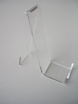 Acryl-standaard voor lederwaren hoogte 16cm diepte  4cm en 10cm breed<br /> Minimaal per 100 stuks te bestellen