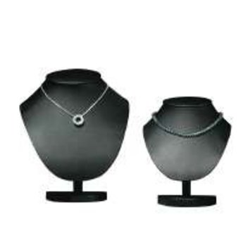 Collierhalsje zwart kunstleer hoogte 17,5 cm