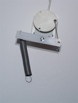 Pendelmotor met swingveer, max gewicht 200 gram. Werkt ook op 220 Volt