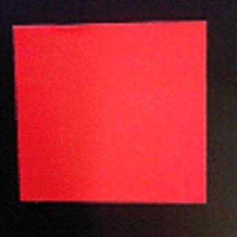 Etiket 2928 fluor rood afneembaar 21.000, doosinhoud 30 rollen