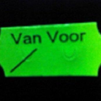 Etiket 26x12 golfrand fluor groen permanent bedrukt >>  VAN VOOR  << 2-sl  54.000  (=36 rollen a 1500 etiketten) Gommering / kleefkracht 2