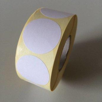 Etiket 35 mm rond wit kleefkracht permanent, aantal etiketten 1000 stuks op rol.