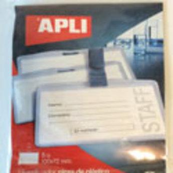Apli-nr. 11739  Badge with plastic clip - Badge transparant hard pvc met bretelclip afmeting 100x72 mm  verpakt per 5 stuks in hangblister. Aan 3 zijden gesloten.