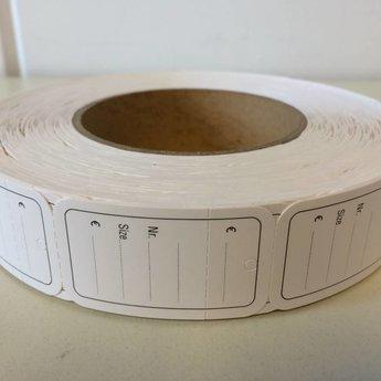 Hangetiket op rol 30x50 mm zwart bedrukt 1000 per rol, wel ponsgaatje, en wel perforatie in kaartje