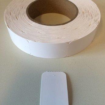 Hangetiket op rol 30x50 mm blanco onbedrukt 1000 per rol, wel ponsgaatje, en geen perforatie in kaartje