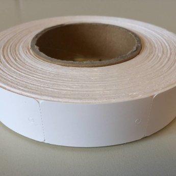 Hangetiket op rol 30x58 mm smal op de rol, blanco onbedrukt 1000 per rol, wel ponsgaatje, en geen perforatie in kaartje