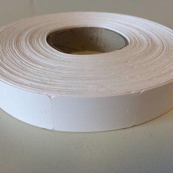 Hangetiket op rol 30x58 mm smal op de rol, blanco onbedrukt 2000 per rol, wel ponsgaatje, en geen perforatie in kaartje