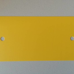PVC labels 64x118mm geel2xgat ronde hoek