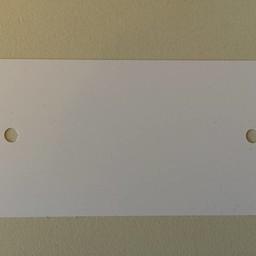 PVC labels 64x118 mm wit 2xgat rond hoek