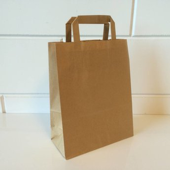 Draagtassen bruin kraft, gelijnd papier afmeting breed 22cm x hoog 28cm, inslag 2x 5,5cm. 22/11x28  - 250 stuks - 70 grams
