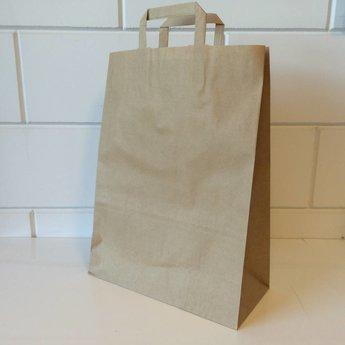 Draagtassen bruin kraft, gelijnd papier afmeting breed 32cm x hoog 43cm, inslag 2x 7,5cm. 32/15x43  - 250  stuks - 80 grams