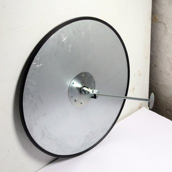 Bewakingsspiegel panoramisch(loopt iets rond) diameter 40 cm van acryl, compleet met ophangbeugel.