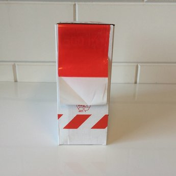 Afbakeningslint - afzetlint 500 m x 8cm wit/rood. Materiaal is van Polyethyleen, het is grondwaterneutraal en milieuvriendelijk.