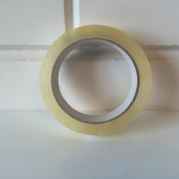 Tape transparant 25mm x 66m  grote kern