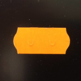 Etiket 26x12 golfrand fluor oranje permanent  2-sl  54.000  (=36 rollen a 1500 etiketten) Gommering / kleefkracht 2