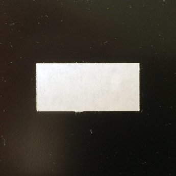 Etiket 26x12 rechthoek wit permanent 2slit  54.000 etiketten.  (36 rollen