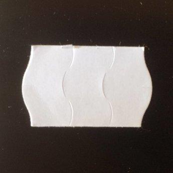 Etiket 2616 wit permanent golfrand antidiefstalstanzing/veiligheidsstansing/security cuts/anti-diefstal in het etiket ( 3-delig) , doosinhoud 39.600 etiketten. ( 36 rollen