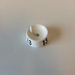MB wit/zwart  13 voor op kledinghanger