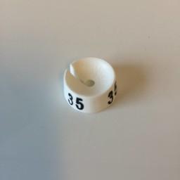 MB wit/zwart  35 voor op kledinghanger