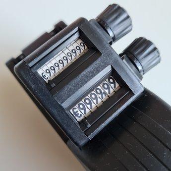 Evo Prijstang Evo C17 (2616-107) is een 2-regelige prijstang voor etiket 26x16mm.